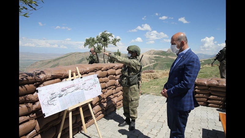 İçişleri Bakanı Süleyman Soylu Türkiye İran sınırında incelemelerde bulundu