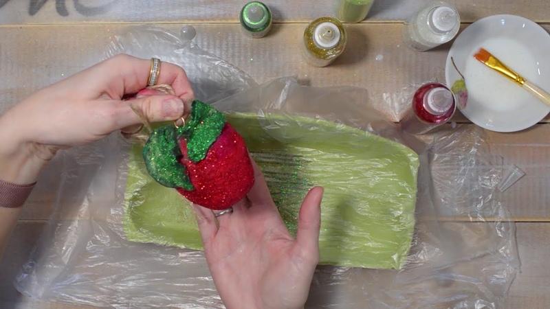 Окраска ватного яблока акварелью