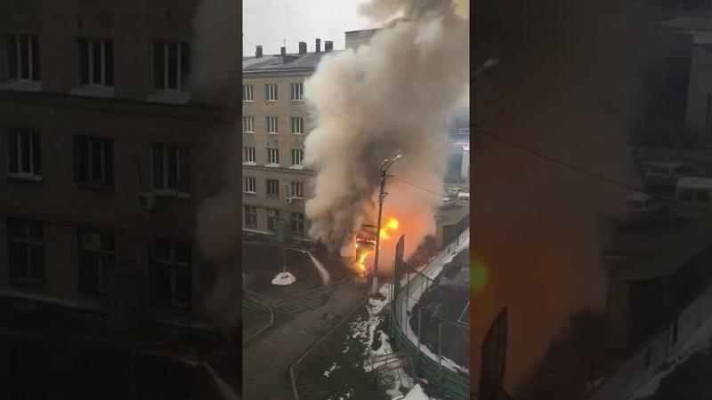 Новое видео мощного взрыва в ковидной ГКБ N2 в Челябинске Мощная взрывная волна выбила стёкла домов