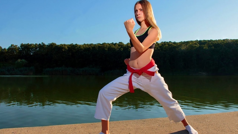 Девушка наносит удары. Карате. Dont Mess With Karate Girls - Best of Female Karate