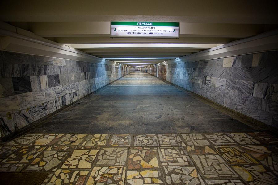 фото Коронавирус убивает рынок наружной рекламы: баннеры исчезли с улиц и метро Новосибирска 8