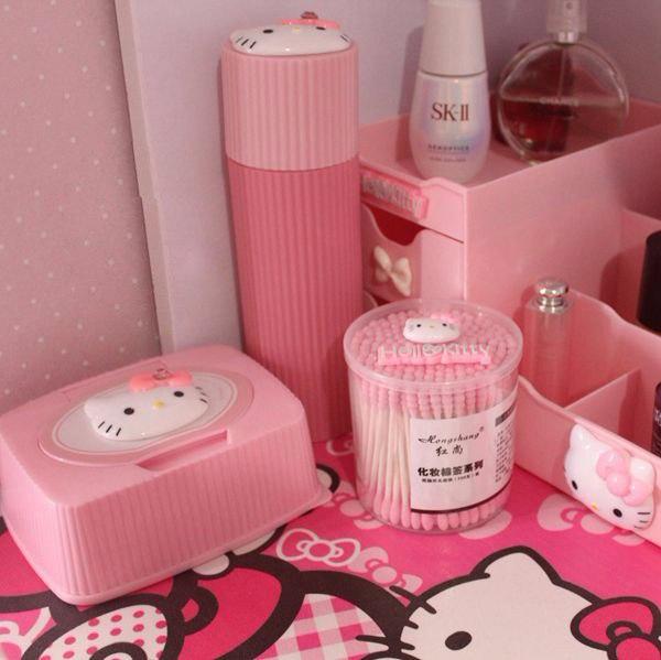 Розовые ватные палочки -