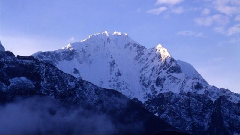 Троих россиян-экстремалов обнаружили на одной из самых опасных вершин в Гималаях