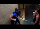 Мортал Комбат в лифте прикол Пранк