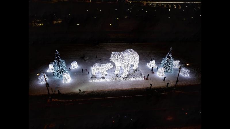 Вид с квадрокоптера на инсталляцию с медведями в Ростокинском акведуке