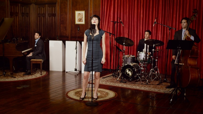 Who Can It Be Now Men At Work '40s Jazz Cover ft Sara Niemietz