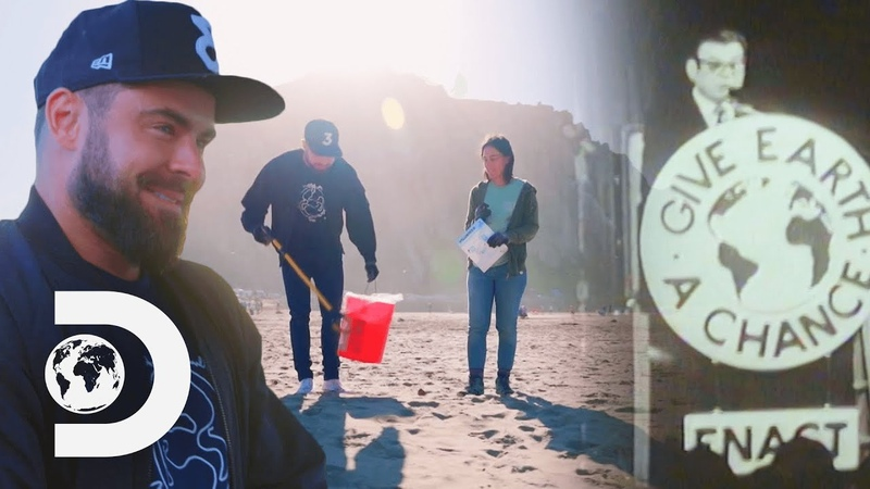 Zac Efron Helps Clean Up A Californian Beach And Learns About Earth Day | Great Global Clean Up